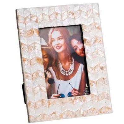 Portafotos beige en dos tonos fabricado en capiz