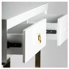 Consola blanca con detalles dorados modelo whitte fussion