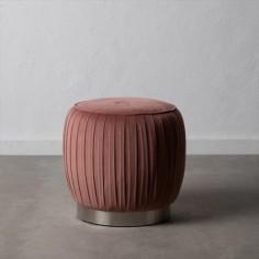 Puf de terciopelo con acabado en rosa y base metal