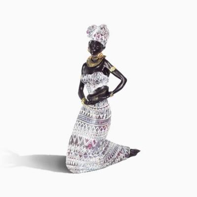 Figura de Africana sentada fabricada en resina