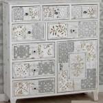 Cómoda Casablanca grande madera blanco rozado y marrón