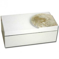 Caja color blanco y nácar de cerámica