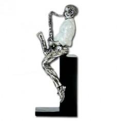 Figura músico saxofón sentado resina