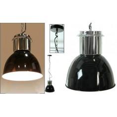 Lámpara de diseño fabricada en metal de color negro