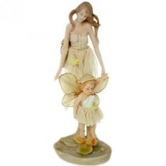 Figura de hada con niño de resina