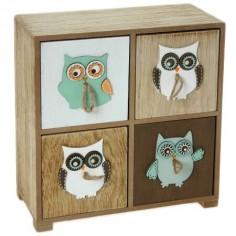 Caja de madera con detalles de búhos