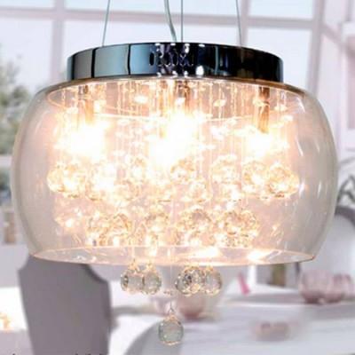 Lámpara colgante con pantalla y detalles de cristal