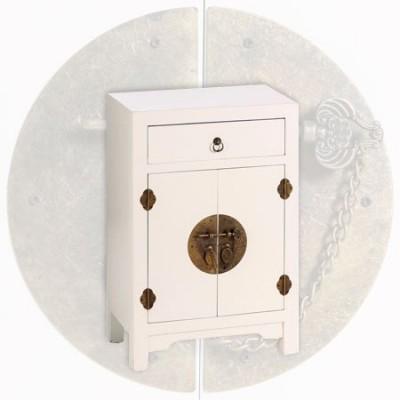 Mesita de madera en color blanco