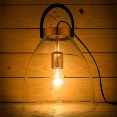 Lámpara de sobremesa en cristal con asa