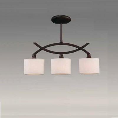 Lámpara de techo Arco con tres luces en color marrón óxido y crema
