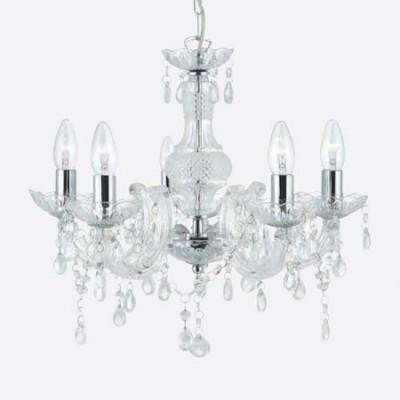 Lámpara chandelier María Teresa con cinco luces en cristal transparente