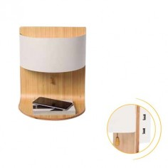 Aplique de pared Robert en madera con pantalla blanca y USB