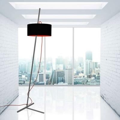 Lámpara de pie Gravity gris con pantalla negra y roja