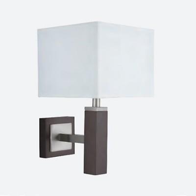 Aplique de pared en madera y plata satinada con pantalla blanca
