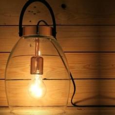 Sobremesa moderno Lantern en color cobre y cristal transparente