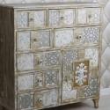 Cómoda madera efecto patinado en blanco y oro con tallados