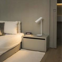 Lámpara de mesa moderna Link en color blanco
