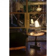 Lámpara de mesa Lupe en cromo con pantalla textil