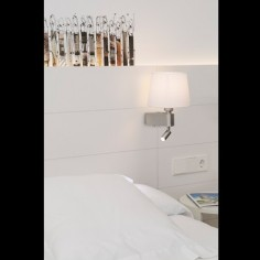 Lámpara pared Room metal pantalla textil blanca con lector LED