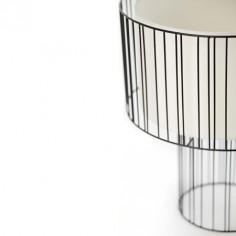 Lámpara de sobremesa Linda metal negro con pantalal blanca