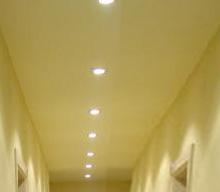 instalación de focos y aros de empotrar en el techo