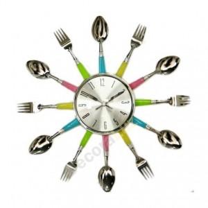 reloj de cocina cubiertos metal