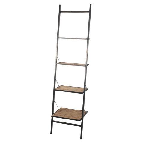 Estantería de metal con escalera