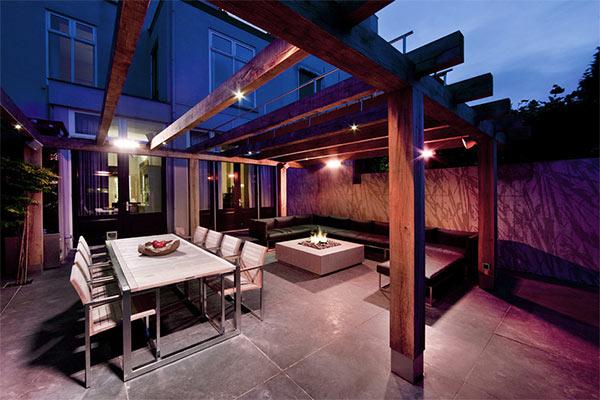 La iluminación en una terraza interior