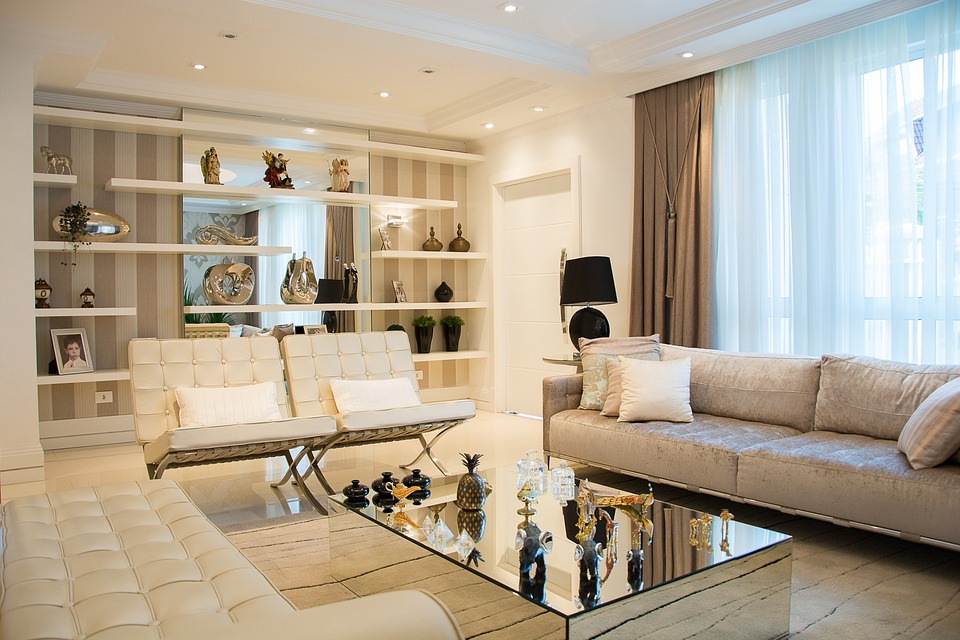 Consejos para iluminar tu salón